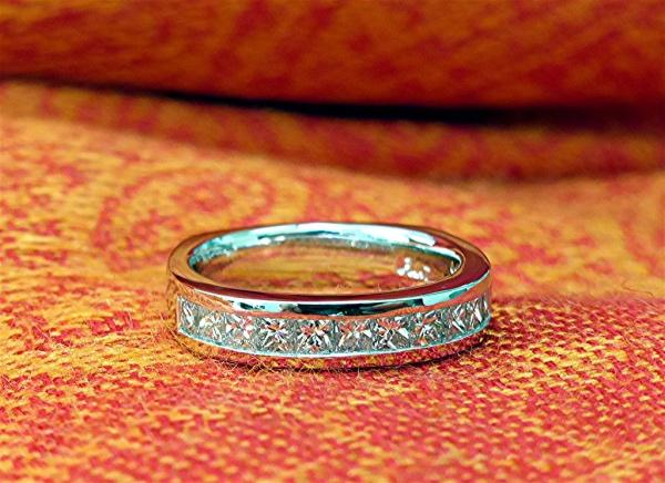 Princess cut diamond platinum ring