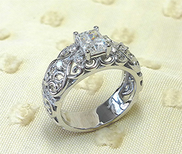 Filigree design diamond engagement ring