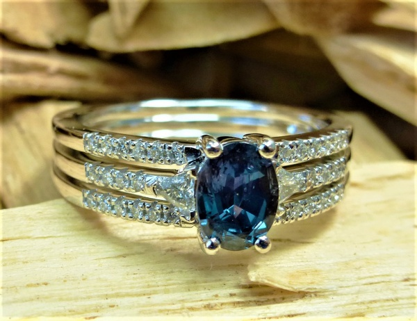 Diamond and alexandrite engagement ring