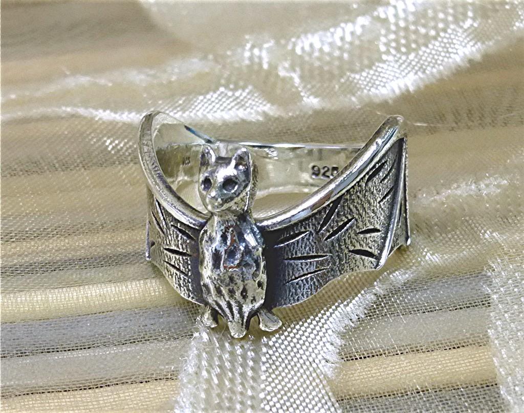Bat ring
