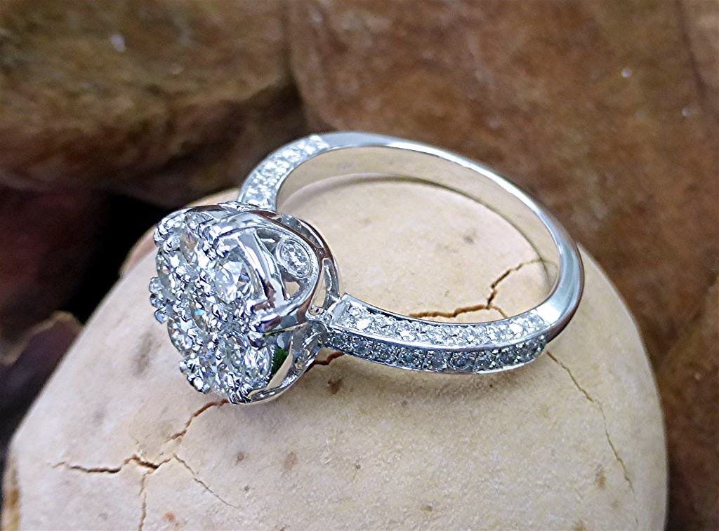 Cluster top engagement ring