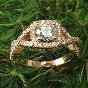Cushion halo ring with twisted shank