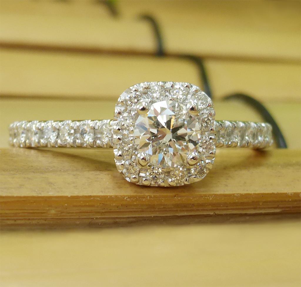 1.06 carat Diamond engagement ring