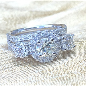 Recycle of old gold and diamonds