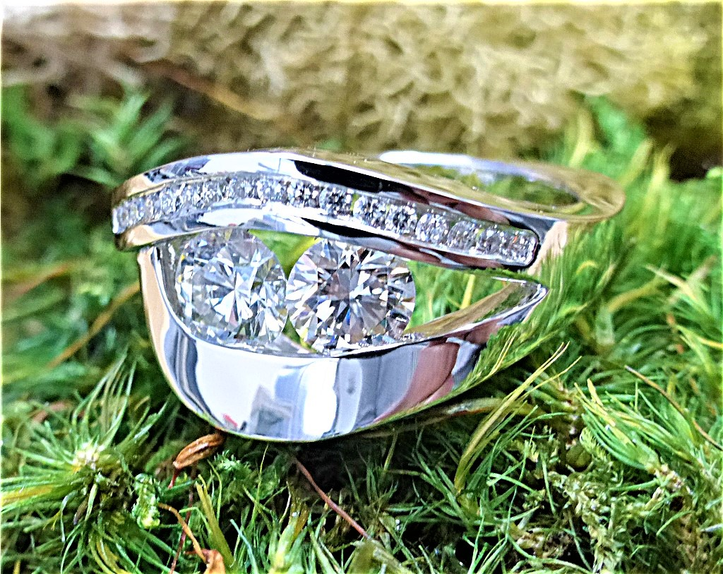 Double center diamond ring