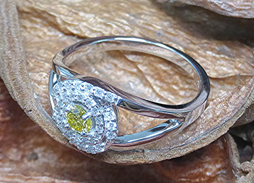 Canary cluster top diamond ring